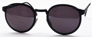 Revue Retro Court 01 Matte Black with Grey Lenses
