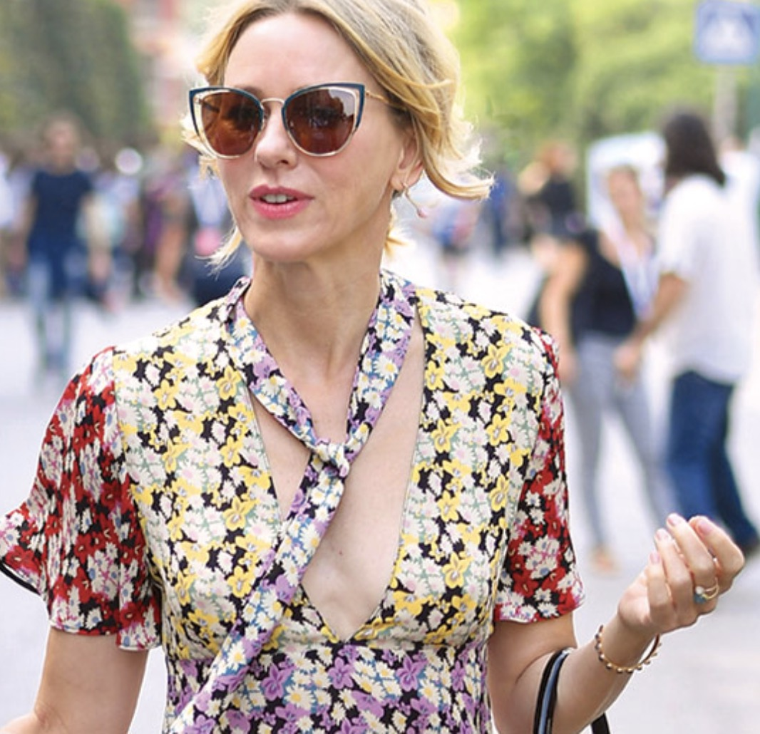 Naomi Watts loves the Salvatore Ferragamo SF183S Sunglasse